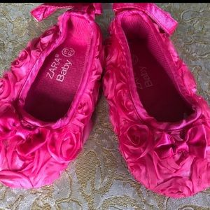 Baby Zara pink flower shoes size 2 or 23